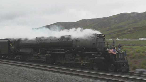 union-pacific-locomotive-4014-620.jpg