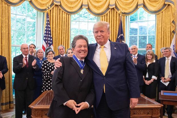 US-politics-TRUMP-MEDAL-LAFFER