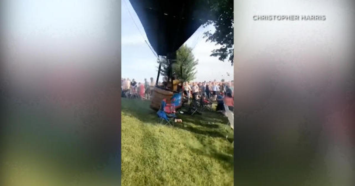 Hot air balloon lands on crowd in Missouri festival, injuring 3