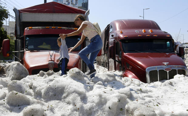 MEXICO-WEATHER-HAIL