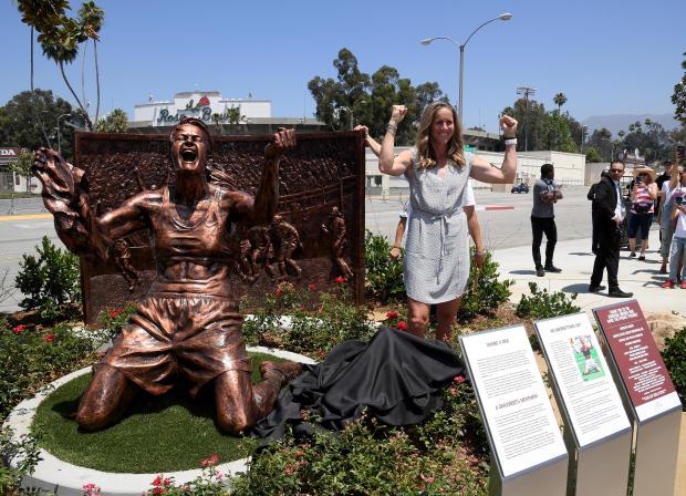 Brandi Chastain statue