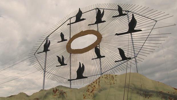 enchanted-highway-gary-greff-sculpture-geese-in-flight-620.jpg