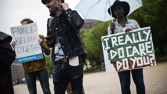 US-IMMIGRATION-MIGRANTS-PROTEST-politics