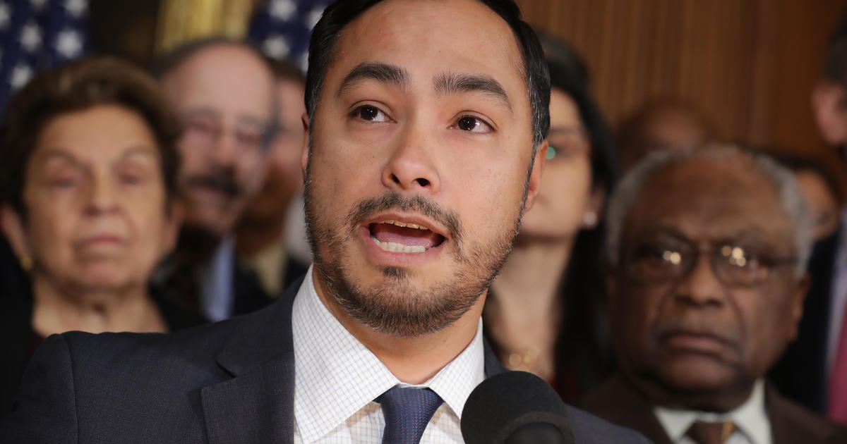 Hispanic lawmakers press Pentagon on extremism in the military