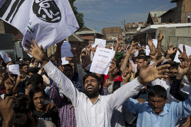 Kashmir news: India's blackout leaves Muslims cut-off from family
