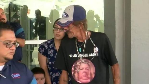 Casa Ford El Paso Tx >> Man Whose Wife Died In El Paso Shooting Gets New Car After Suv Was Stolen