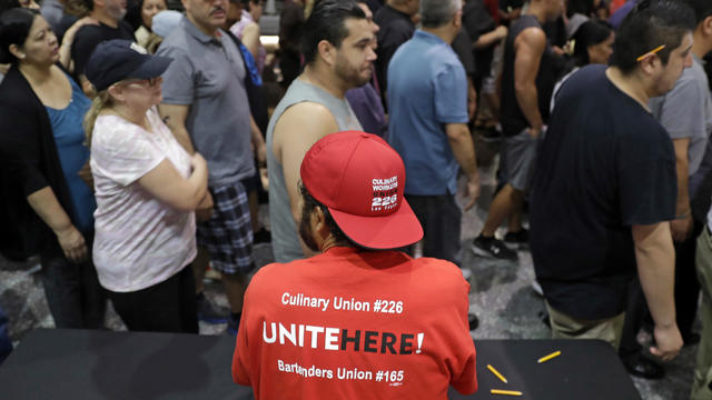 Vegas Workers Nationwide Pickets