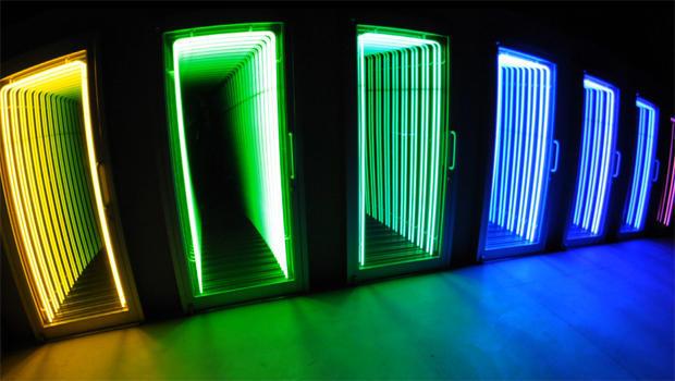 ivan-navarro-neon-artwork-threshold-2009-620.jpg