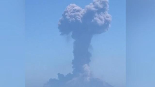 cbsn-fusion-stromboli-volcano-erupts-again-2019-08-28-thumbnail-1922448-640x360.jpg
