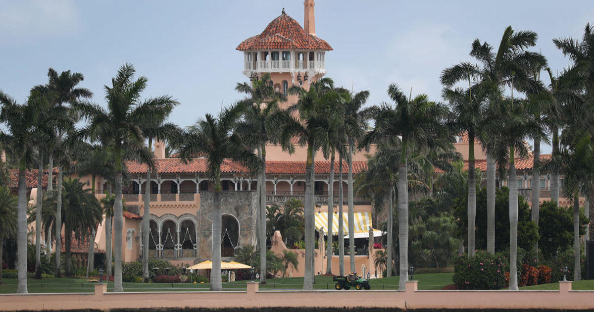 3 teenagers arrested after jumping wall into Mar-a-Lago with loaded AK-47 – CBS News