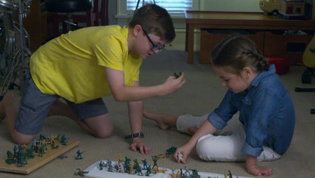 6-year-old girl fighting to get female army soldiers into the toy military