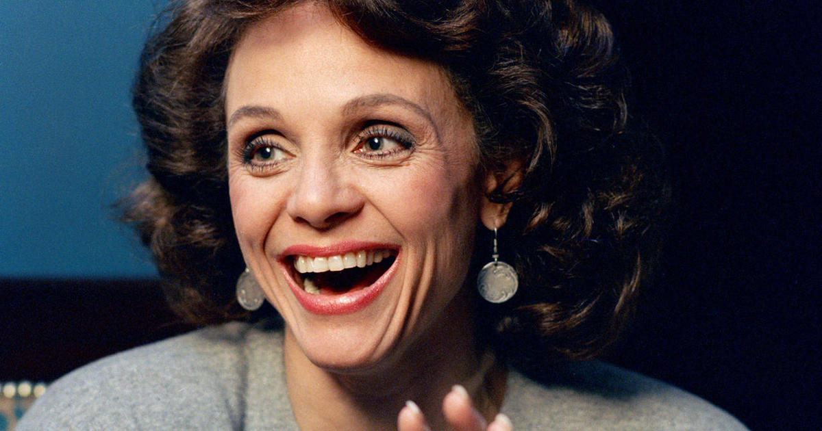 Valerie Harper - Notable deaths in 2019 - Pictures - CBS News