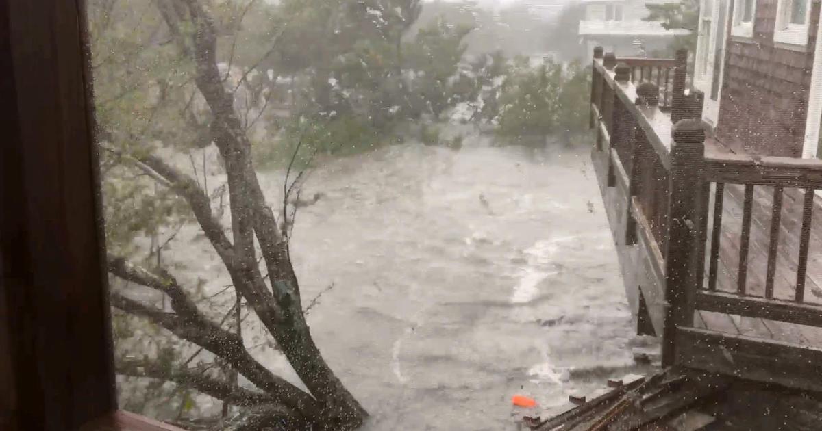 Hurricane Dorian: Category 1 hurricane slams North