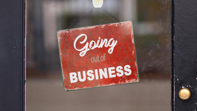 Going out of business - Closed sign