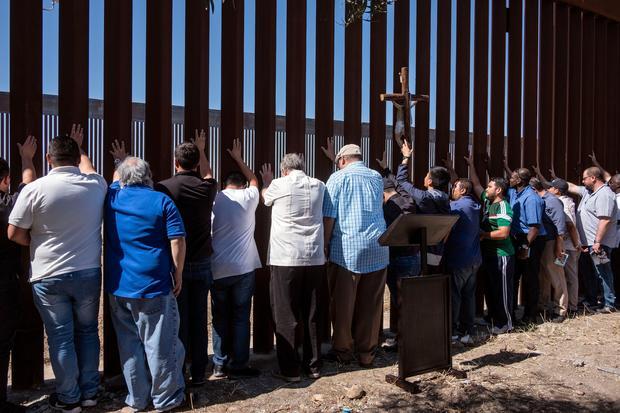 MEXICO-US-BORDER-RELIGION-PROTEST