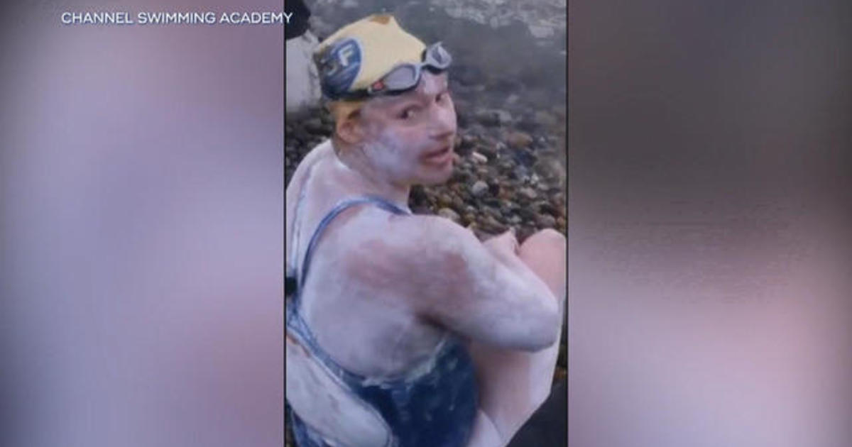 American cancer survivor swims across English Channel