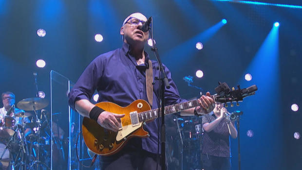 """Mark Knopfler: Music is """"a bit of an obsession"""""""