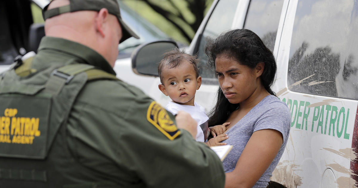 """U.S. planned to separate 26,000 migrant families before outcry over """"zero tolerance"""" policy"""