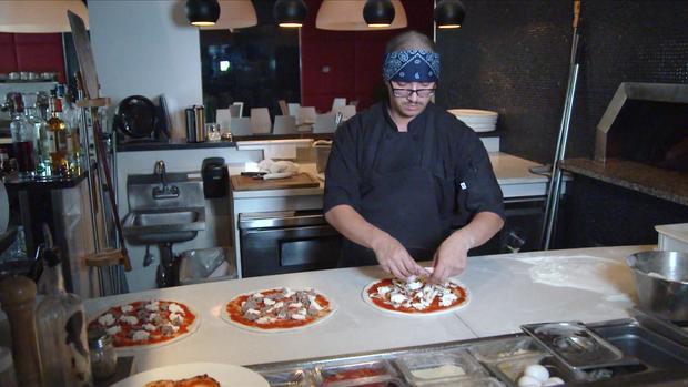 191006-diaz-pizza-chef-03.jpg