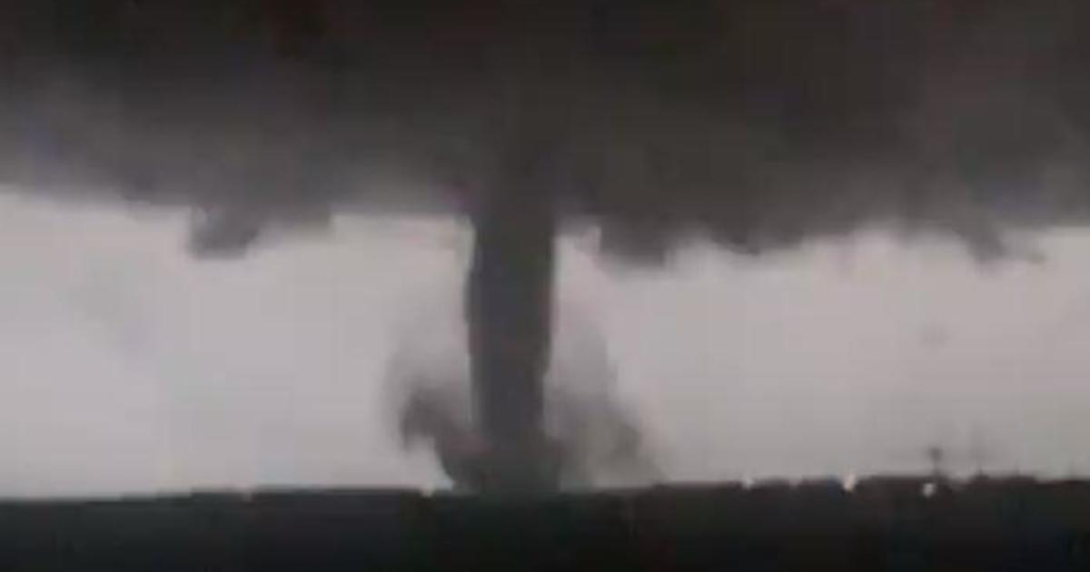 Dallas tornado causes major storm damage and electricity
