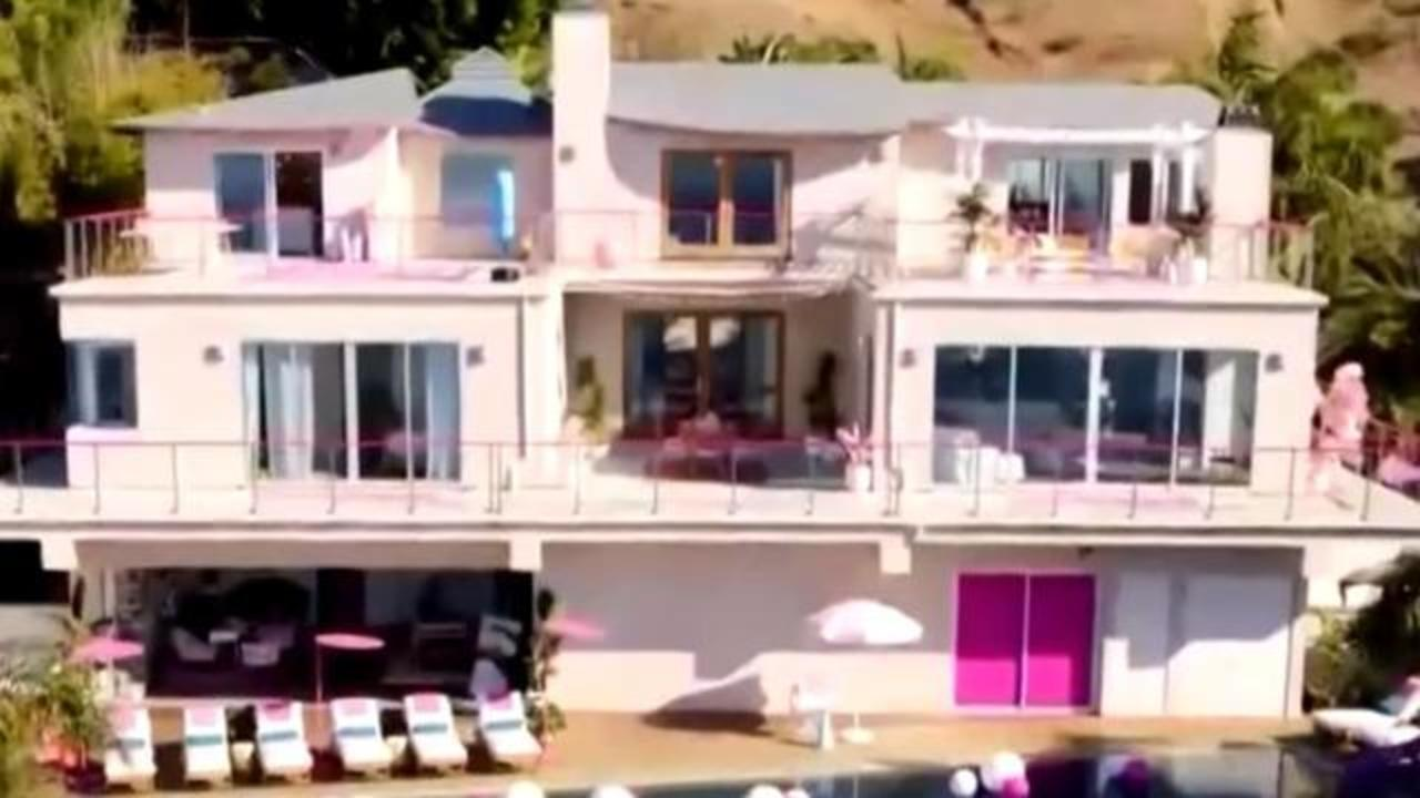 Barbie House Barbie S Malibu Dreamhouse Is Now Available To Rent