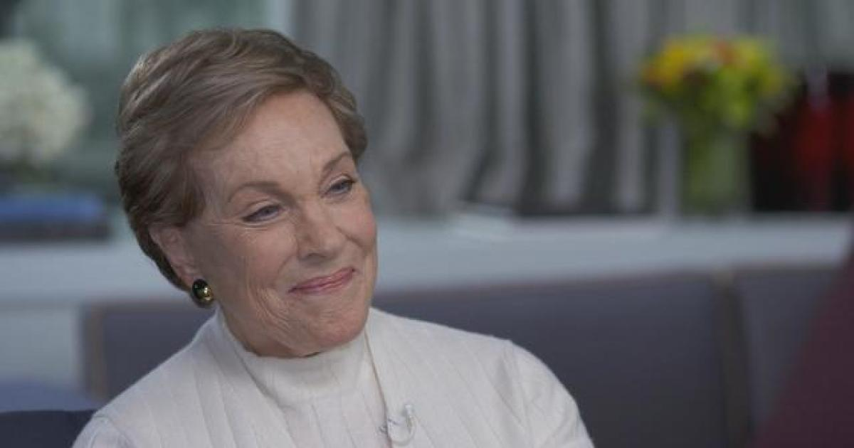 "Julie Andrews says therapy helped her sort out her ""demons"" and made her a better mom and wife"