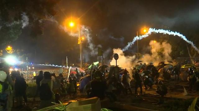 1119-ctm-hongkongprotest-inconcencio-1979931-640x360.jpg