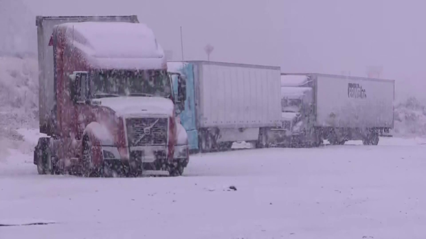 interstate-5-california-snow-winter-weather-storm-01.png