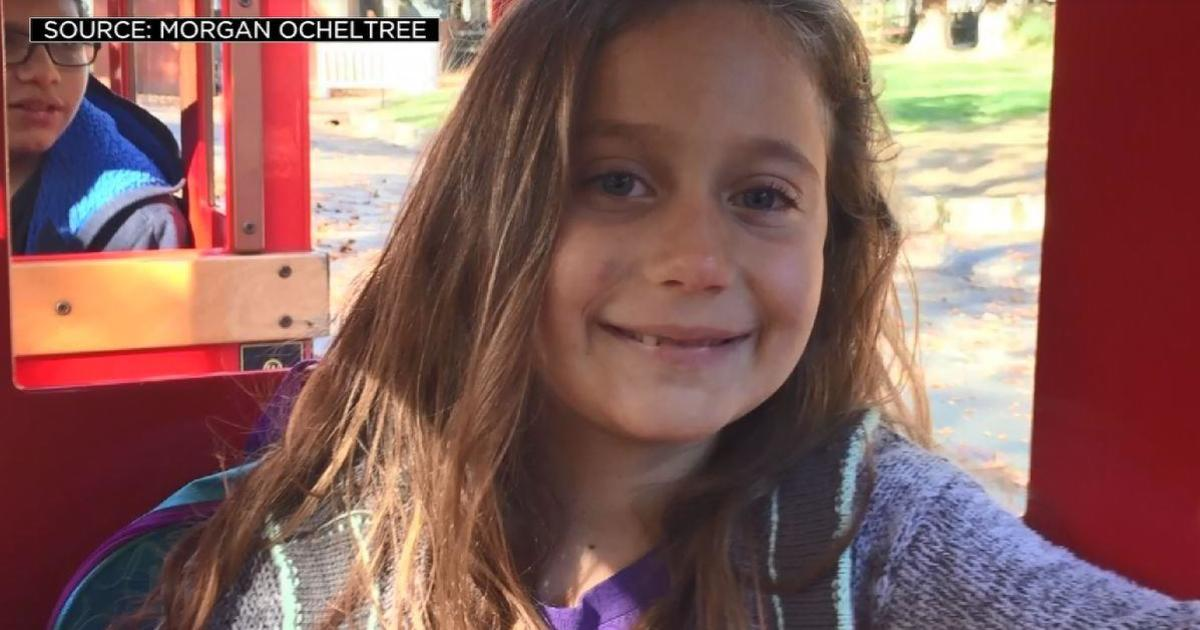 Mother sues school district for failing to notify family of daughter's suicide plan