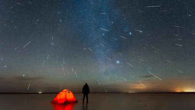 Gemini meteor shower 2018 over lake in Erenhot, Inner Mongolia, China