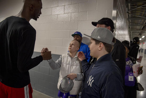 'Never surrender': 14-year-old cancer survivor shares inspirational story with Kings