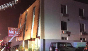 6 dead in Las Vegas apartment fire