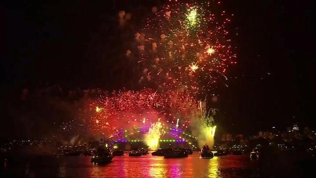 Despite fires, Sydney's NYE fireworks go on