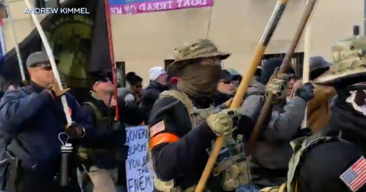 Thousands of gun rights supporters rally in Richmond, Virginia