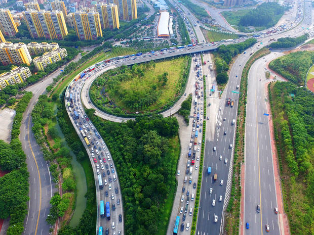 Travel Peak Rises At The End Of National Day Holiday