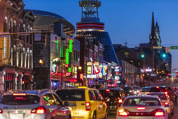 Country Music bars on Broadway, Nashville