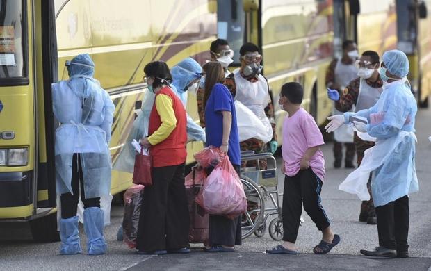 APTOPIX Malaysia China Outbreak