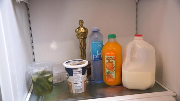 richard-dreyfuss-keeps-his-oscar-in-the-refrigerator-620.jpg