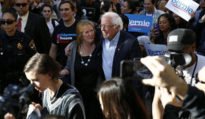 Sanders wins Nevada's Democratic caucuses