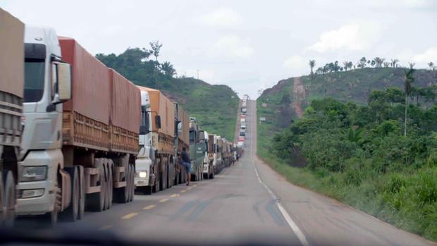 trucks-on-the-br-163-2.jpg