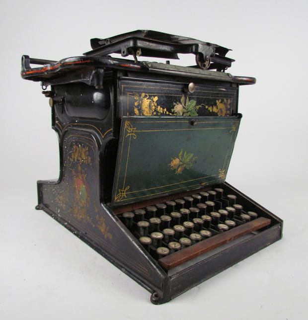 sholes-and-glidden-typewriter-smithsonian-national-museum-of-american-history-vertical.jpg
