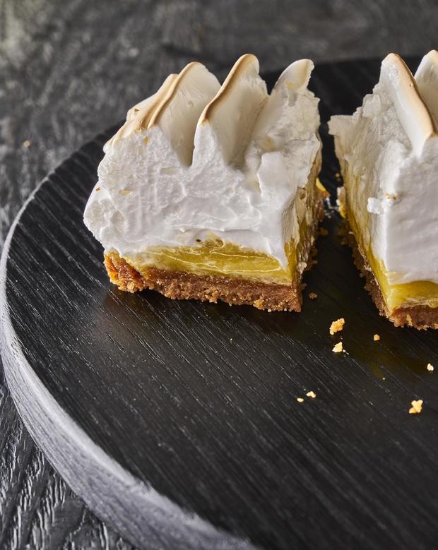 lemon-meringue-bars.jpg