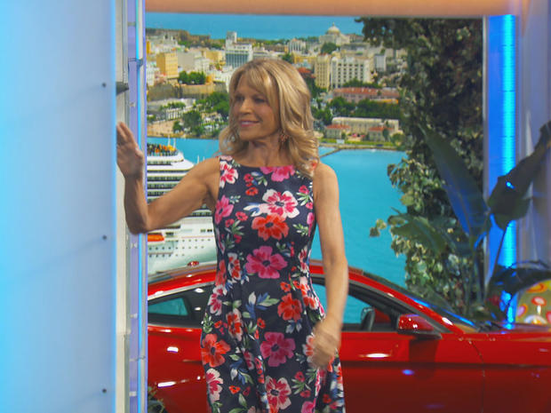 vanna-white-revealing-letters-on-wheel-of-fortune-promo.jpg