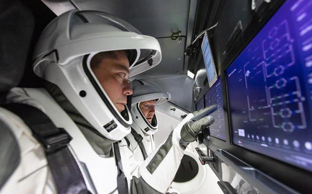 cockpit-crew1.jpg