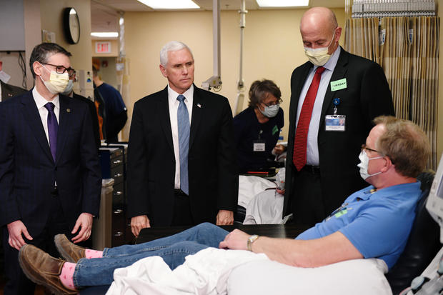 Mike Pence tours Mayo Clinic without mask