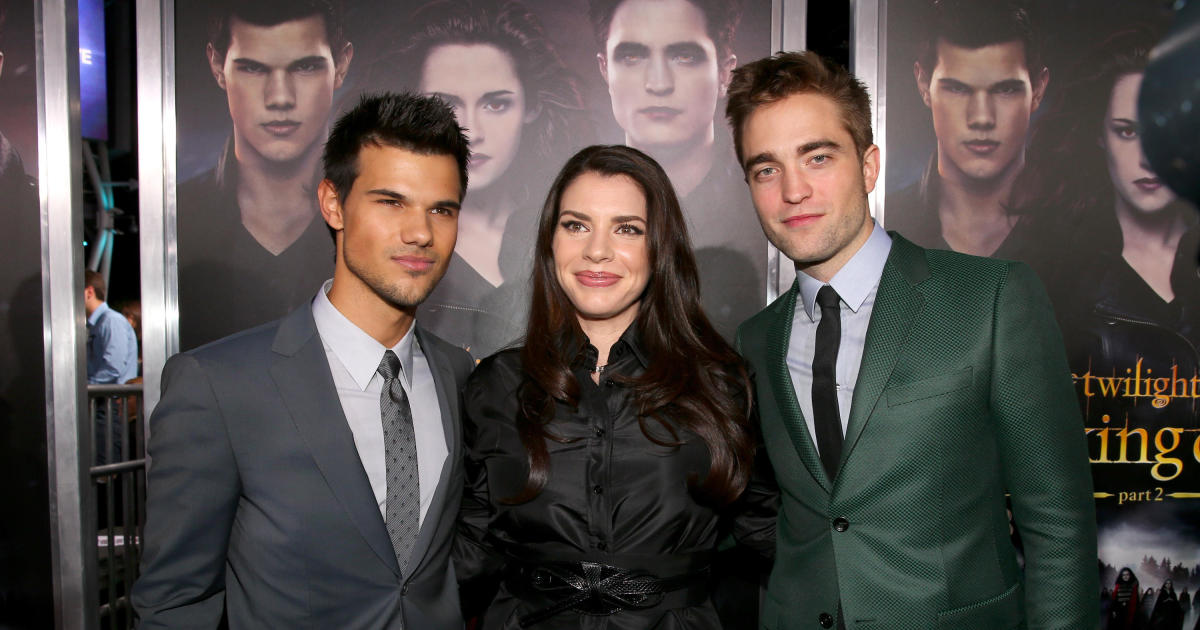 "Author reveals long-awaited ""Twilight"" prequel is coming thumbnail"