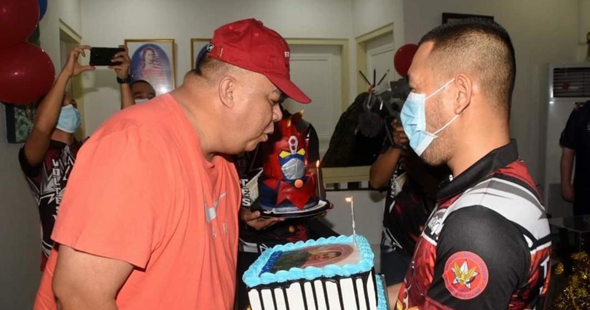 Senior Philippine Cop S Lockdown Birthday Bash Draws Outrage Cbs News
