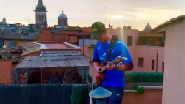jacopo-mastrangelo-performs-above-the-piazza-navona-in-rome-620.jpg