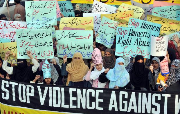 Supporters of Tehrik-e-Minhaj ul Quran,
