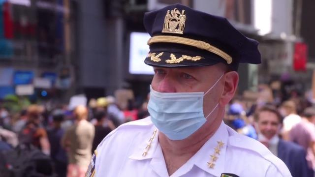 cbsn-fusion-nypd-chief-discusses-where-to-draw-the-line-with-protesters-thumbnail-493784-640x360.jpg